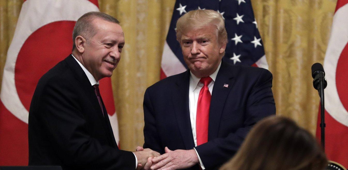 Η αιχμηρή επιστολή Μενέντεζ προς Τραμπ - Σύλληψη Γάλλων στην Τουρκία για κατασκοπία