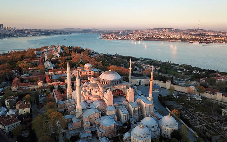 Με υπογραφή Ερντογάν η Αγιά Σοφιά ανοίγει ως τζαμί