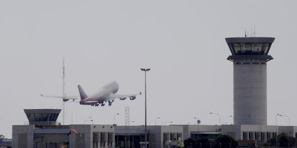 Κορονοϊός: Σε καραντίνα 180 επιβάτες της πτήσης Ζάκυνθος-Κάρντιφ