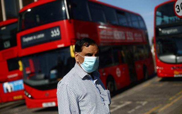 Με νέα μέθοδο καταγραφής... στη Βρετανία μειώθηκαν κατά 5.000 οι θάνατοι από κορωνοϊό