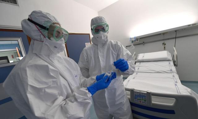 Σκληρή ανακοίνωση της Ομοσπονδίας Νοσοκομειακών Γιατρών για την αποσιώπηση κρουσμάτων κορωνοϊού