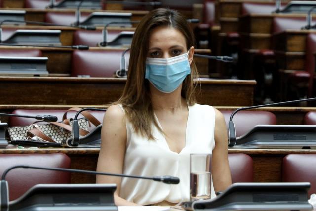 Έ.Αχτσιόγλου: Απλήρωτες υπερωρίες για όσους τέθηκαν σε υποχρεωτική καραντίνα (Video)