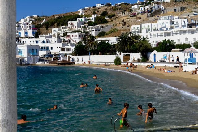 Η Ευρώπη βάζει σε «καραντίνα» τον ελληνικό τουρισμό